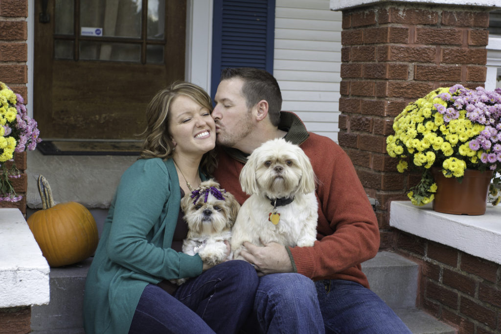 couples, engagement, fall, dogs, puppy, red, green, christmas photos